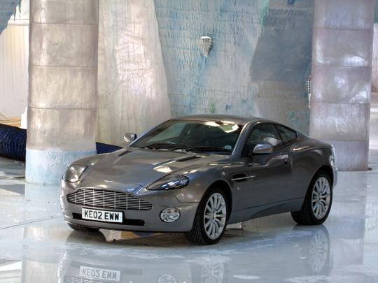 Aston Martin V12 Vanquish 007 Die Another Day 2002